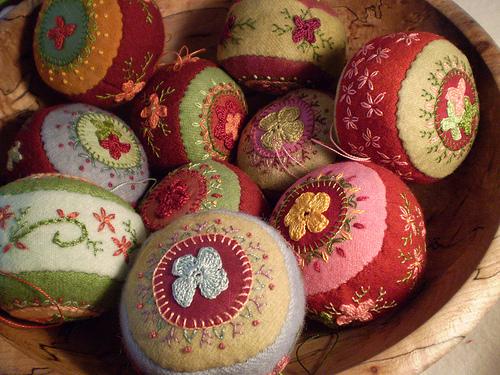 Handmade-Christmas-Ornaments-Floral-Ball