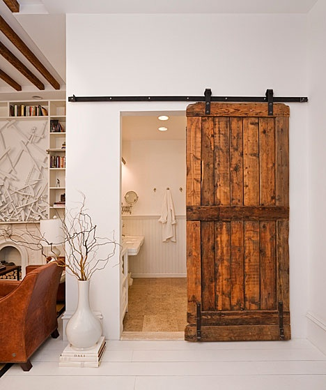 pallet-bathroom-door