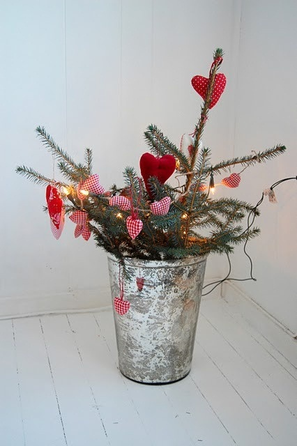 70-Awesome-Scandinavian-Christmas-Decorating-Ideas46